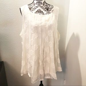 Torrid Women's Lace and Embroidery Tank NWT
